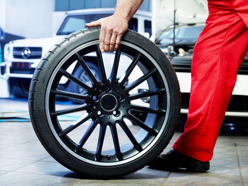 tarif montage pneus poids lourds vidauban le luc pneus services. Black Bedroom Furniture Sets. Home Design Ideas